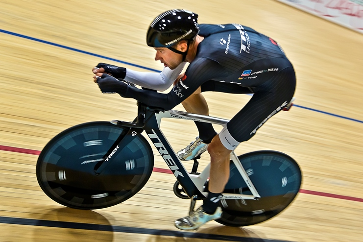 Shut Up Hour – Jens Voigt Sets New Hour Record